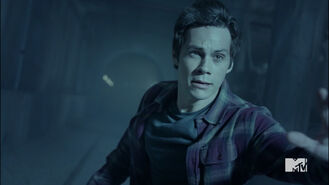 Dylan-O'Brien-Stiles-getting-closer-to-portal-Teen-Wolf-Season-6-Episode-10-Riders-on-the-Storm