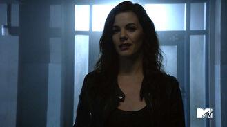 Haley-Webb-Jennifer-Blake-Teen-Wolf-Season-6-Episode-20-The-Wolves-of-War
