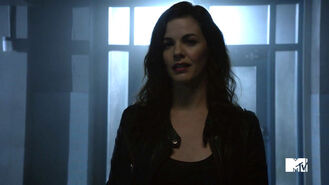 Haley-Webb-Jennifer-Blake-Teen-Wolf-Season-6-Episode-20-The-Wolves-of-War