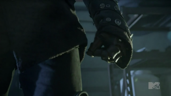 Teen wolf season 5 tease doctor close-up detail