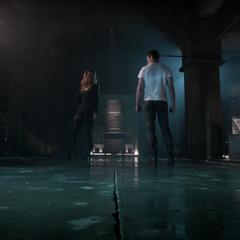 Première rencontre entre Kate et Peter après la