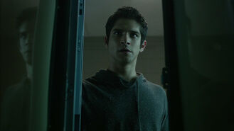 Tyler-Posey-Scott-in-locker-Teen-Wolf-Season-6-Episode-9-Memory-Found