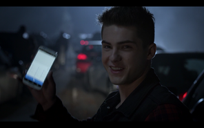 Teen Wolf Season05 Episode 1 creatures of the night Theo in traffic jam