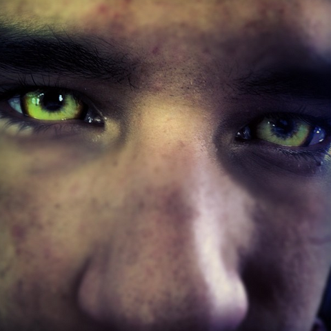 Teen Wolf Behind the Scenes - Tyler Posey Werewolf Eyes