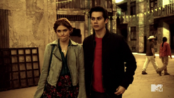 Teen Wolf Season 4 Episode 401 The Dark Moon Stiles and Lydia this is a bad idea