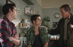 3 Stiles, Scott et Sheriff Stilinski3.07