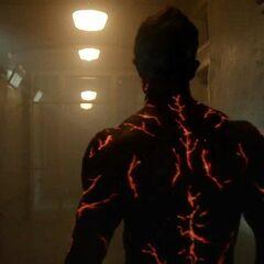 Die roten leuchtenden Linien auf dem Körper des Höllenhundes.