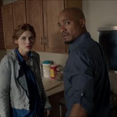 Lydia et le Dr. Deaton à la clinique.