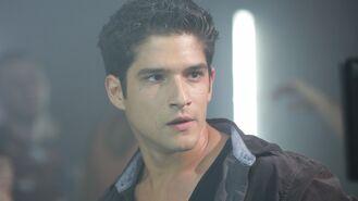 Scott-mccall-tyler-posey-teen-wolf-season-4