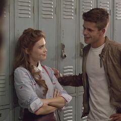 Scott voit que Aiden se rapproche de Lydia.