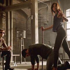 Kali oblige Derek à écouter la proposition de Deucalion...