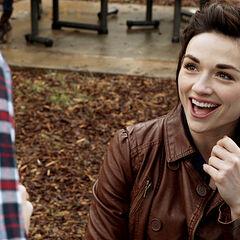 Stiles fait l'intermédiaire entre Allison et Scott
