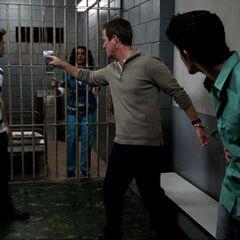 Matt menotte le Shérif et enferme Mme McCall