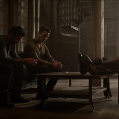 Négociation entre Peter, Derek et Braeden.