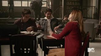 Teen-Wolf-Season-5-Episode-20-Apotheosis-Stiles-Scott-Lydia-library