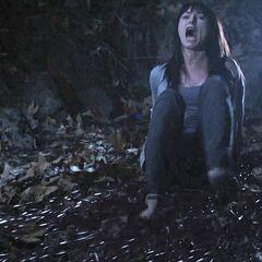Emily a une hallucination puis disparaît