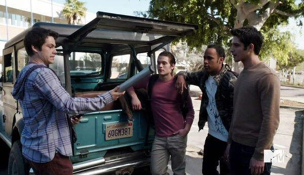 Dylan-O'Brien-Dylan-Sprayberry-Khylin-Rhambo-Tyler-Posey-Teen-Wolf-Season-6-Episode-Riders-on-the-Storm-Wikia