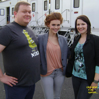 Teen Wolf Behind the Scenes Reviews for Humans Set Visit with Holland Roden