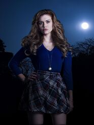 Holland-Roden-as-Lydia-Martin-1 1