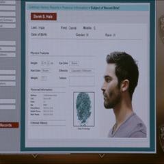 La fiche d'identité de Derek.