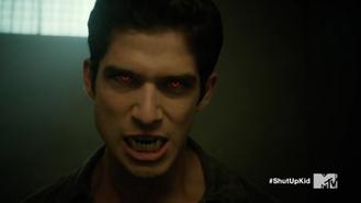 Teen Wolf Season 5 Episode 15 Amplification Scott's alpha eyes and fangs