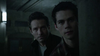 Dylan-O'Brien-Ian-Bohen-Stiles-Peter-Teen-Wolf-Season-6-Episode-5-Radio-Silence