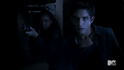 Teen Wolf Season 4 Episode 401 The Dark Moon Braeden and Scott face the unknown