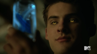 Teen Wolf Season 5 Episode 14 The Sword and the Spirit Theo's eyes