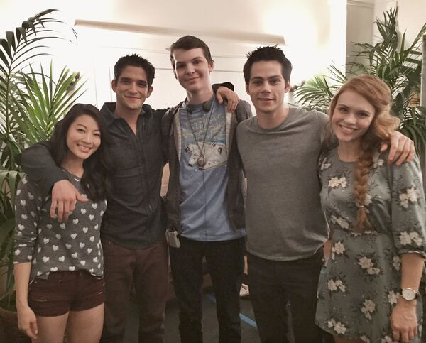 Teen Wolf Season 5 Behind the Scenes Arden Cho Matt Lynch Dylan O'Brien Tyler Posey Holland Roden Eichen House 2 location 032715