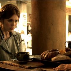 Lydia discute de son pouvoir avec Araya.
