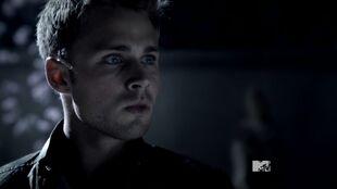 Teen Wolf Season 3 Episode 17 Silverfinger Max Lloyd-Jones Young Chris Argent