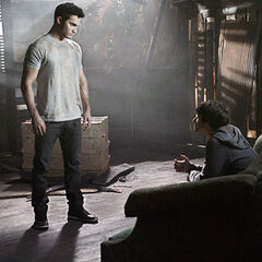 Derek dit à Scott que ce n'est pas lui qui l'a mordu mais un Alpha