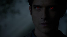 Tyler-Posey-Scott-alpha-eyes-Teen-Wolf-Season-6-Episode-12-Raw-Talent