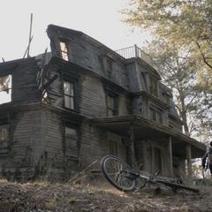 La maison des Hale 6 ans après l'incendie.