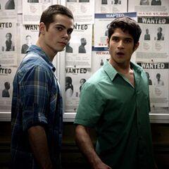 Stiles et Scott ont une surprise