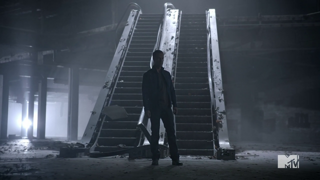 File:Teen Wolf Season 3 Episod 6 Motel California JR Bourne Chris Argent investigates mall battle .png