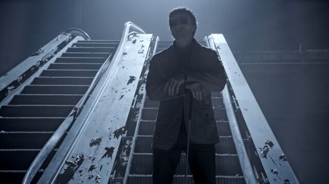 File:Teen Wolf Season 3 Episode 5 Frayed Gideon Emery Deucalion Escalator.jpg