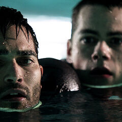 Stiles doit aider Derek à ne pas se noyer