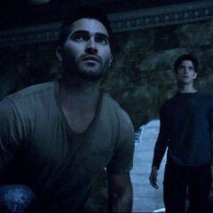 Derek et Scott retrouvent Boyd et Cora, la soeur de Derek...
