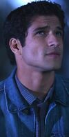 Scott-mcca-poset-teen-wolf-season-5-episode-1