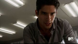 Teen Wolf Season 5 Episode 6 Required Reading Scott starting to see stuff
