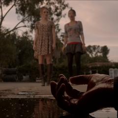 Lydia et Kira découvre l'homme que Kate a tué.