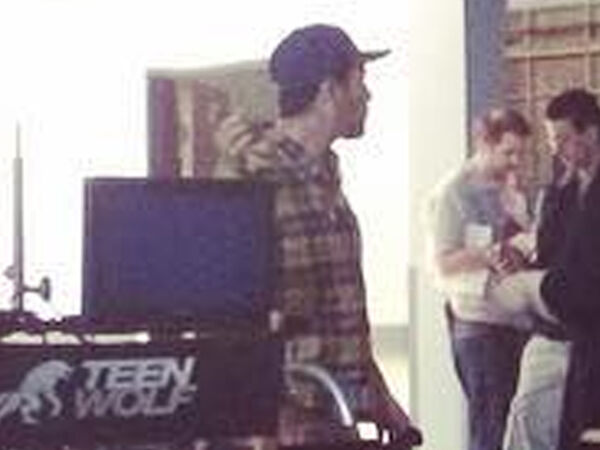 Teen-wolf-season-6-behind-the-scenes-crew-members-ready-for-the-day-not-Dylan-very-closeup