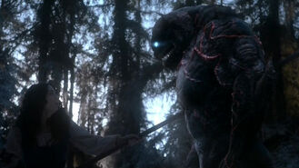 Teen-Wolf-Season-5-Episode-18-Maid-of-Gevaudan-kills-beast