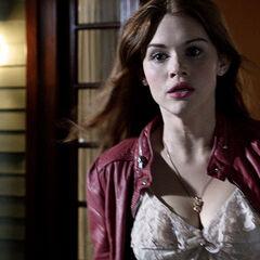 Et Lydia sort dehors, c'est donc Jackson le Kanima