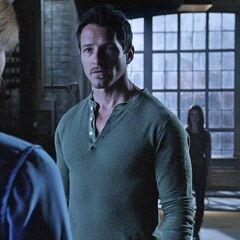 Lydia et Ethan disent aux Hale que les Alphas arrivent