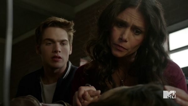 Teen Wolf Season 5 Episode 10 Status Asthmaticus Liam and Melissa with Hayden