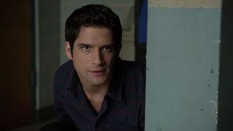 Tyler-Posey-Scott-hiding-Teen-Wolf-Season-6-Episode-18-Genotype