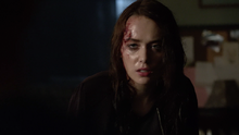 Lucy-Loken-Quinn-bloody-head-Teen-Wolf-Season-6-Episode-14-Face-to-Faceless