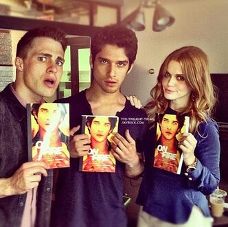Teen wolf colton haynes, tyler posey et holland roden avec le roman1